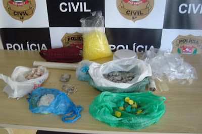 DISE de Registro-SP prende grupo criminoso que traficava entorpecentes no bairro bloco b