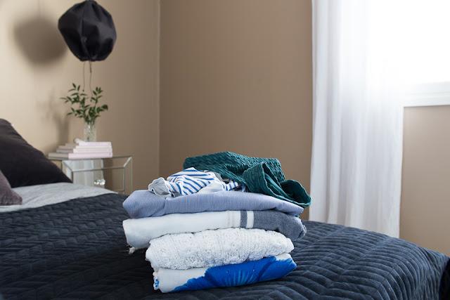 makuuhuoneen sisustus, pakkaus, loma