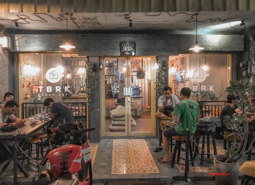 Coffe Shop Gresik Lamongan Sederhana dan Asyik Buat Tongkrongan