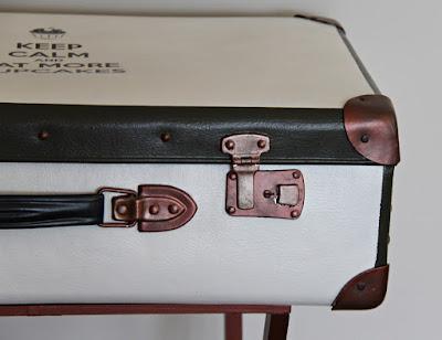 stolik walizka