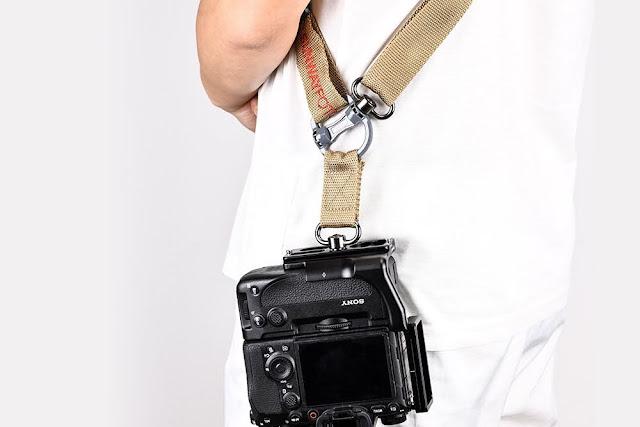 Sunwayfoto PSL-α1G L Bracket on SONY α1 w/ STR-01 Sling Strap