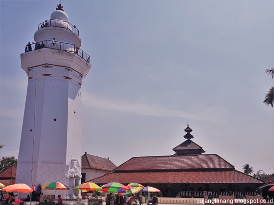 Masjid Agung Banten Unik Karena Atapnya Gambar Islami