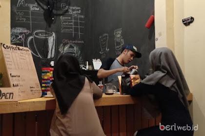 Your Coffee Landasan Ulin, Bisnis Gaya Hidup Mahasiswa