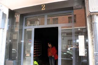 Incendio en los contadores en el portal 2 de la calle Velázquez de San Vicente
