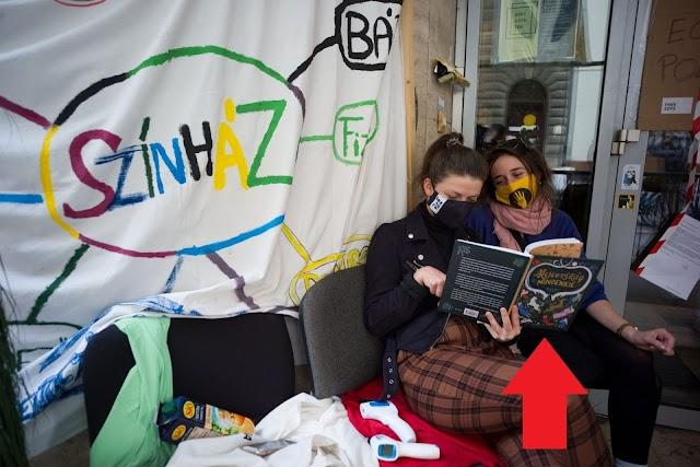 A kép, amely végérvényesen eldöntötte a kérdést, hogy függetlenek-e az SZFE-s diákok