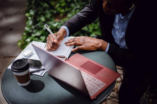 Rekomendasi Jasa Penulis Artikel Bebas Revisi Kualitas Terjamin