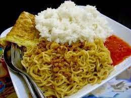 Bahaya memakan mie dengan nasi