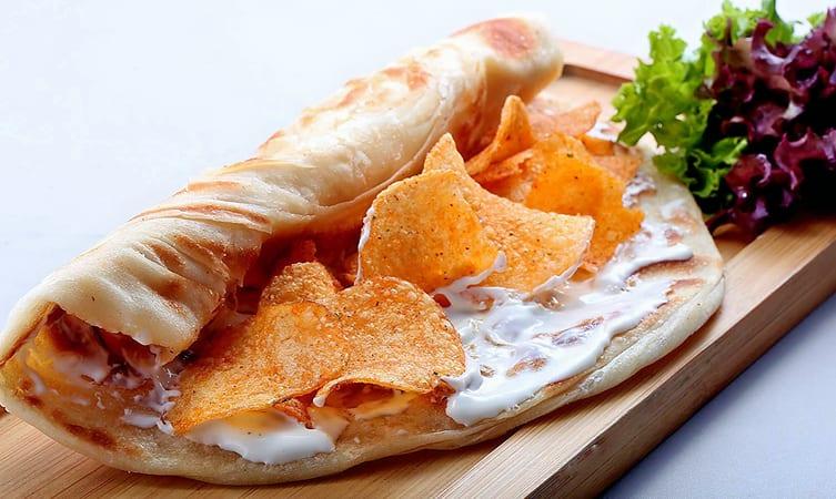Chips Oman roll
