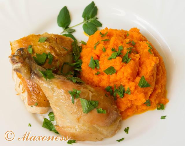 Жареная курица и морковное пюре с семенами укропа и уксусом. Скандинавская кухня