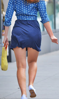 mujeres culonas minifalda