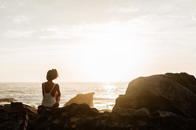 Sunset, beach, women, back, Inner Calm, Wellbeing, Calm, Lifestyle