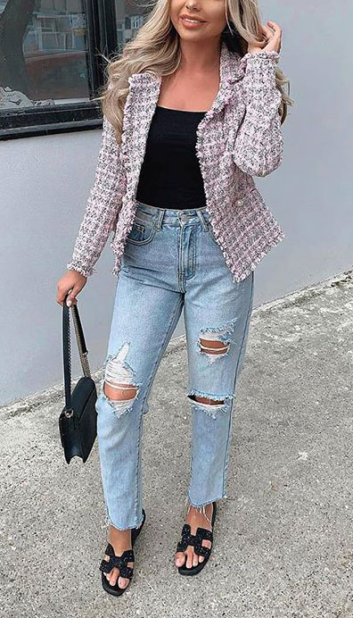 Blazers one of those important wardrobe staples that everyone should have. See these 22 Catchy Blazer Outfits to Stand Out from The Crowd. Coat + Jacket Outfits via higiggle.com | Cute pink checked blazer | #blazer #jacket #casualoutfits