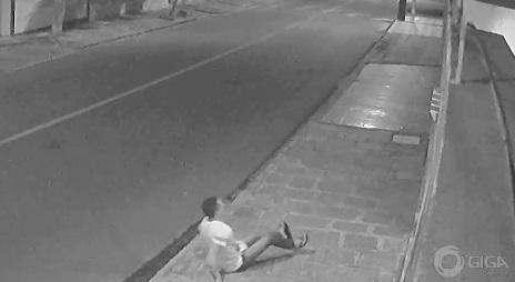 Suspeito é eletrocutado ao tentar invadir residência em CG; vídeo