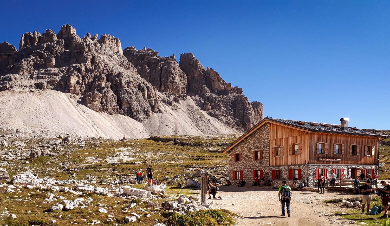 schroniska w Dolomitach szlaki