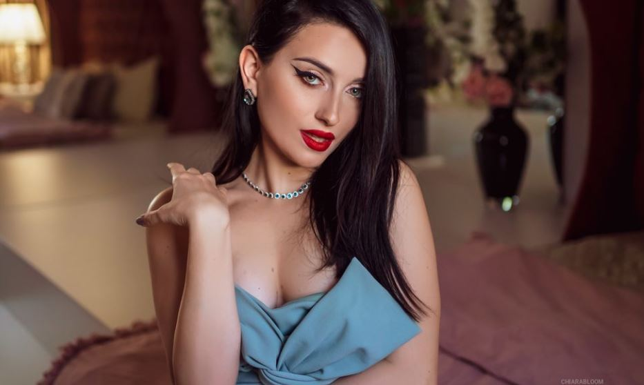 https://www.glamourcams.live/chat/ChiaraBloom