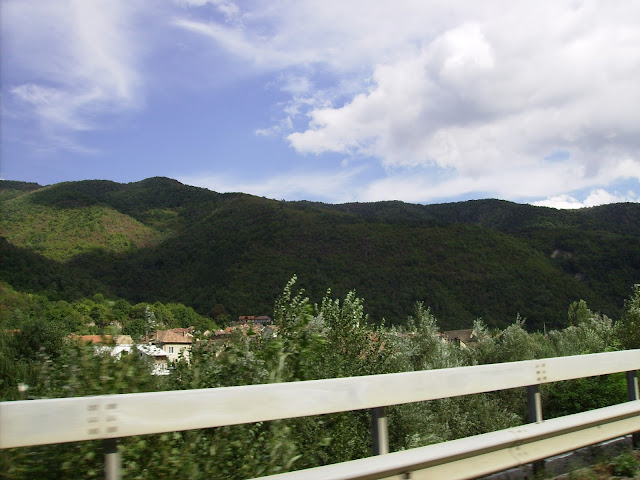 "Toplet. Valea Cernei. Village ""Toplet"" on the Cerna Valley."