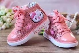 Tips Memilih Fashion Sepatu Anak