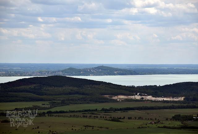 Kilátás Fonyódra és a Balatonra