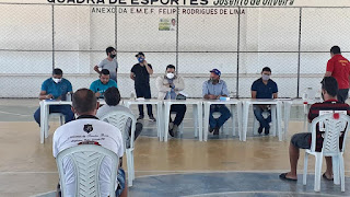 Novo Normal: Prefeito de Baraúna participa de reunião com desportistas e comerciantes