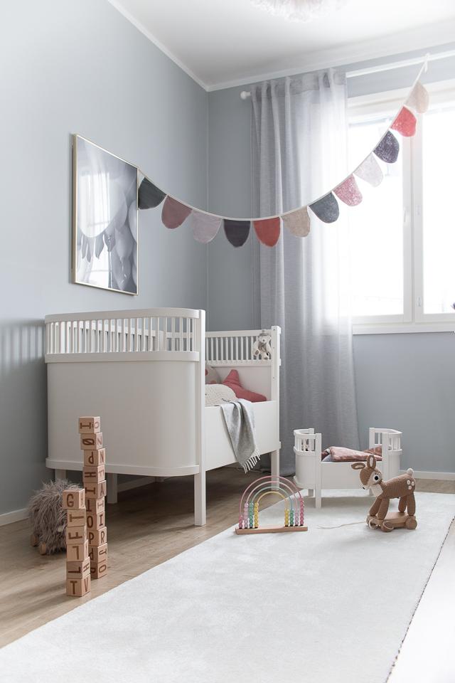 Villa H, lastenhuoneen sisustus, Sebra Interior, palikat, nukensänky