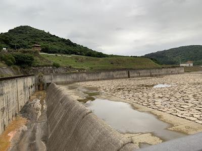 名蔵ダムの放水路