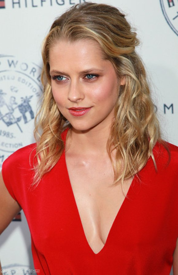 Star 10 Teresa Palmer Pictures, Photos, Images -7660