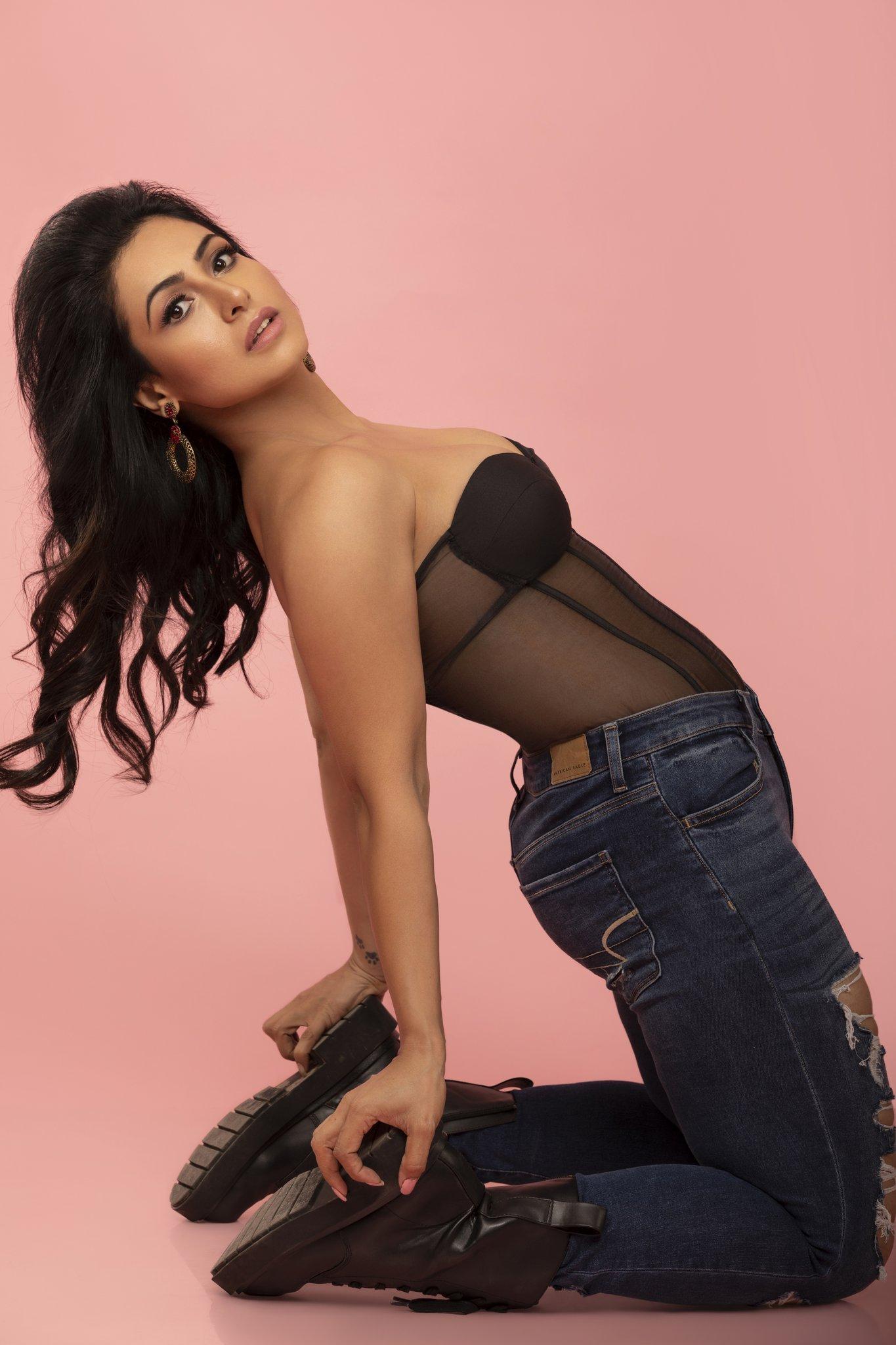 Actress Nandini Rai Recent Photoshoot, Actress Nandini Rai hot pictures, Actress Nandini Rai hot wallpapers