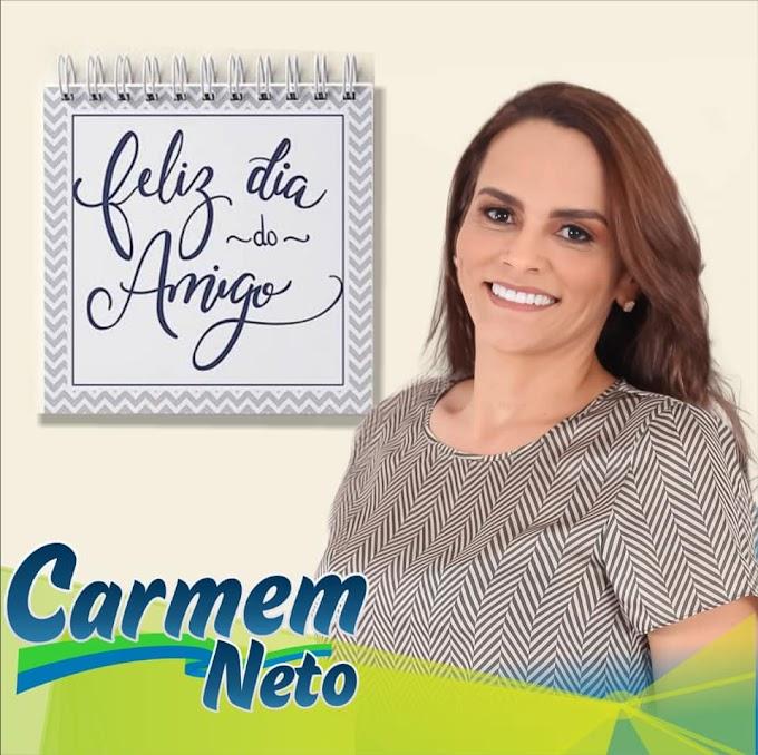 Pré-candidata a prefeita Carmem Neto manifesta mensagem para amigos neste 20, de julho.