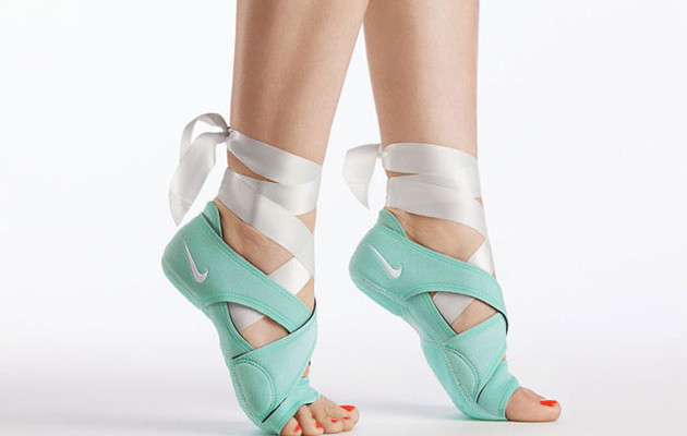 Hong Kong Fashion Geek: SHOErotica: Nike Studio Wrap Pack