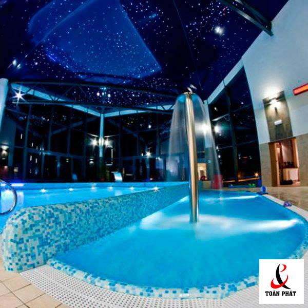 Trần bể bơi xuyên sáng 3