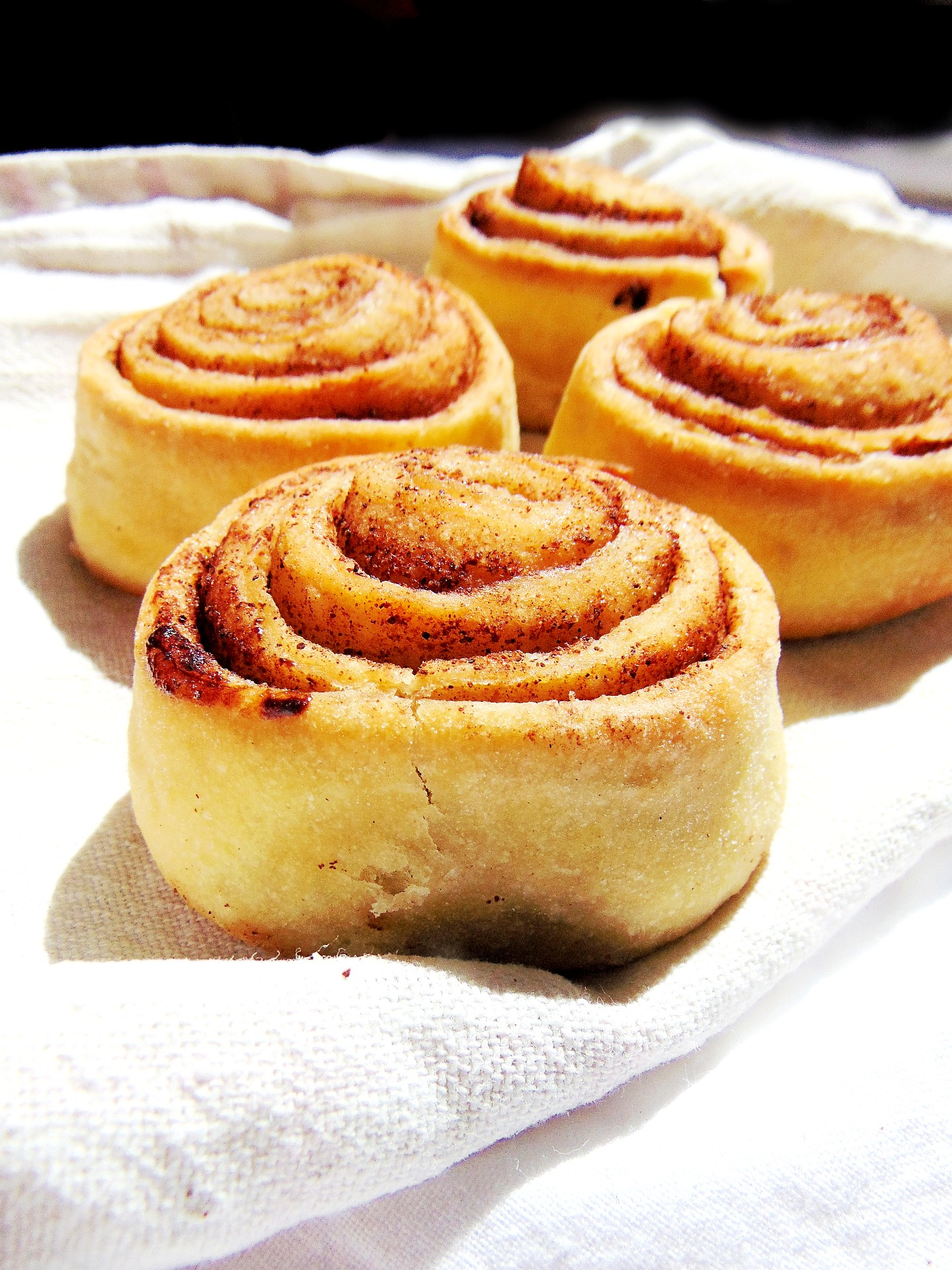 Quick & Easy Homemade Cinnamon Rolls Recipe