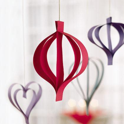 Christmas Ornaments: Paper Drops
