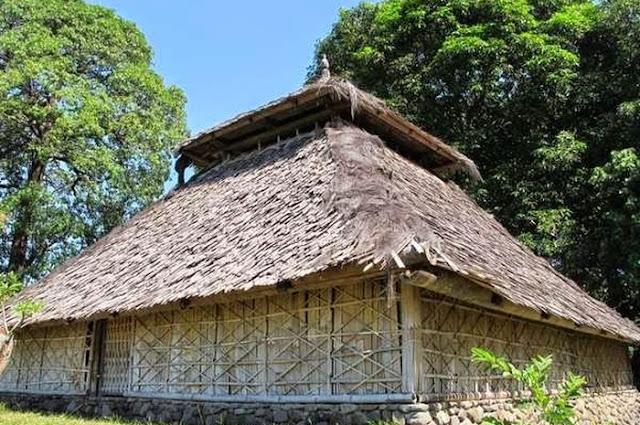 kepercayaan-masarakat-sasak-lombok-pada-zaman-dulu