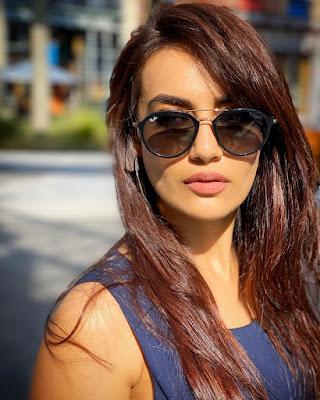 surbhi jyoti ka photo
