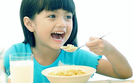 waktu-bagi-anak-untuk-minum-susu_1.jpg
