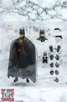 S.H. Figuarts Batman (1989) Box 05