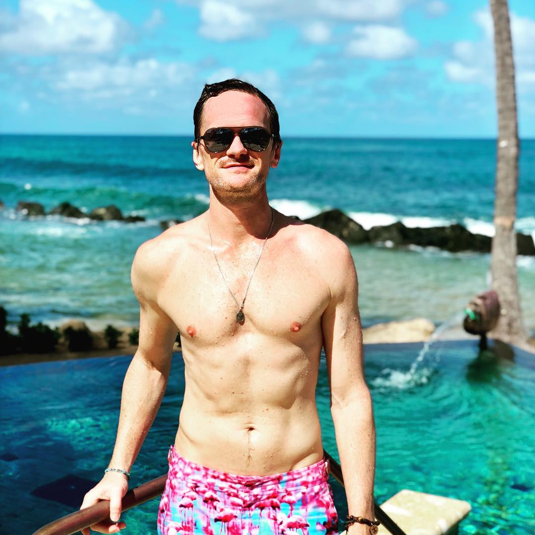 Neil_Patrick_Harris_shirtless_89_thumb.png - MenofTV.com