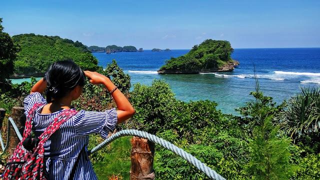 Pantai Asmoro, Menengok Raja Ampat di Malang