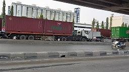 Tarif Biaya Penumpukan Dan Storage Di Pelabuhan Tanjung Priok Jakarta Indonesia