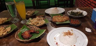 Tempat Makan Boleh dicoba di Yogyakarta - Lesehan Aldan