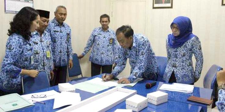 Sertijab Kepala UPT SDA dan Kasubag UPT SDA Kabupaten Malang yang digelar diruang rapat Dinas.