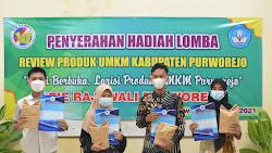 Pemenang Lomba Review Produk UMKM STIE Rajawali Terima Penghargaan