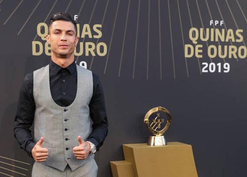 Ronaldo lần thứ 10 ẵm giải cầu thủ hay nhất Bồ Đào Nha