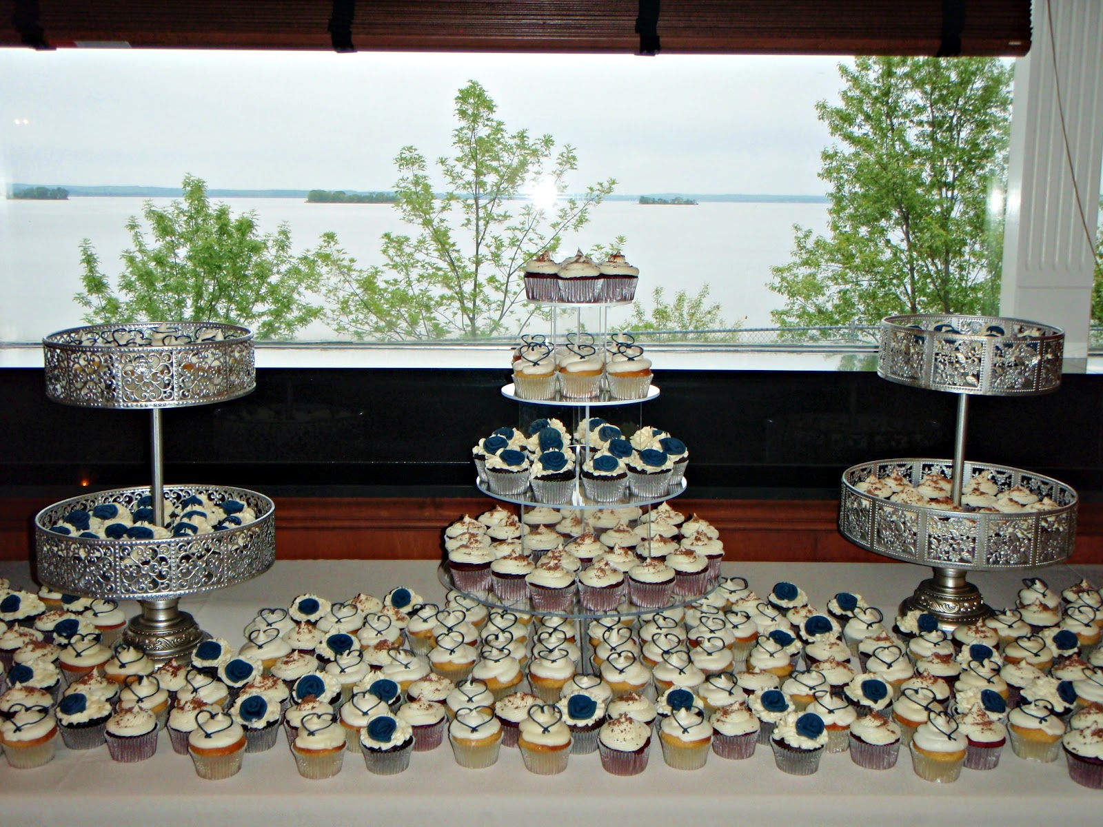 wedding cake and cupcake display ideas cupcake decorations for weddings living room interior 21728