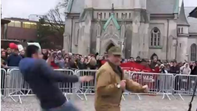Bakar Al Quran, Aktivis Anti Islam Norwegia Diserang saat Demo