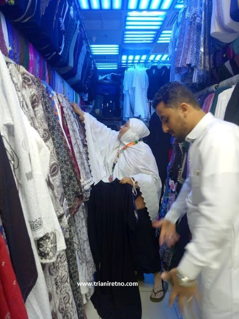 belanja oleh-oleh di bin dawood madinah