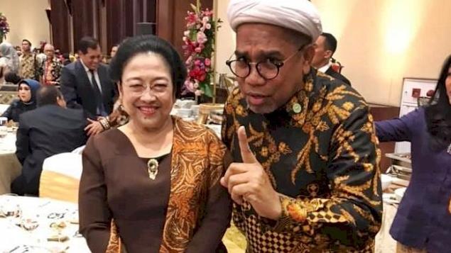 Ngabalin: Apa Salah Pak Jokowi dan Bu Mega? Sehingga Didoakan Berumur Pendek