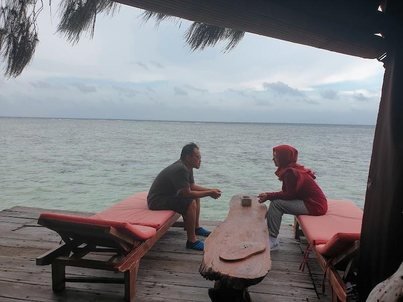 Review Menginap di Pulau Macan, dari Kamar Langsung Nyemplung ke Laut (Day 2)