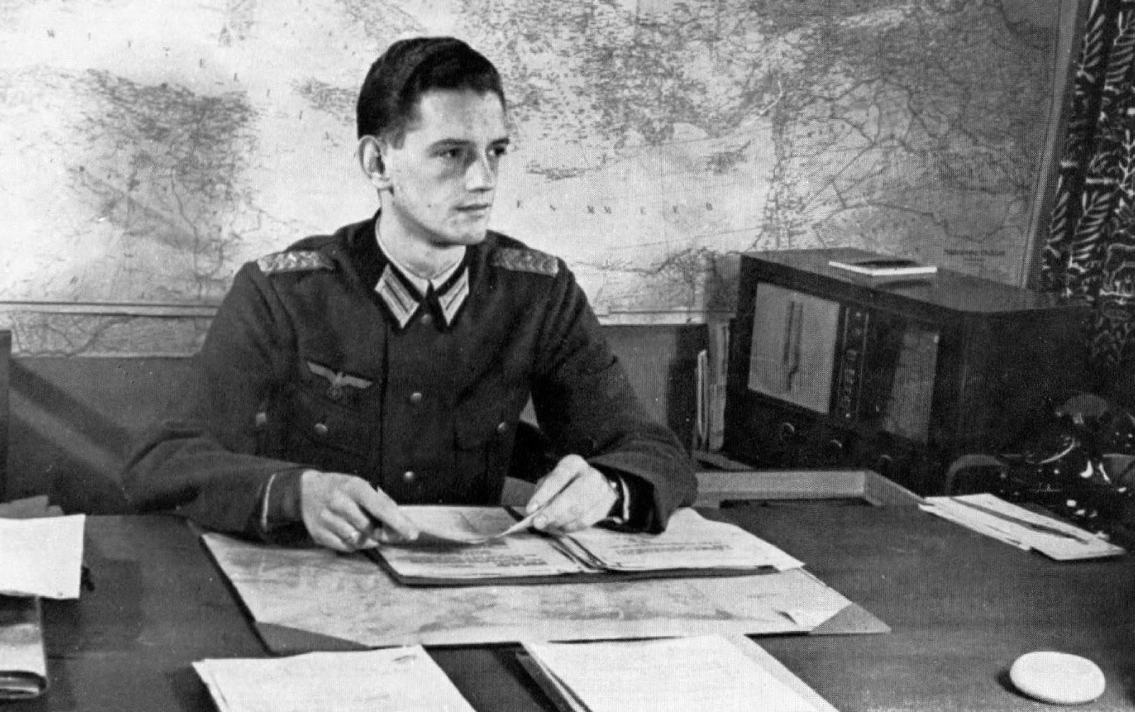 Reinhard Gehlen: Wehrmacht Spymaster