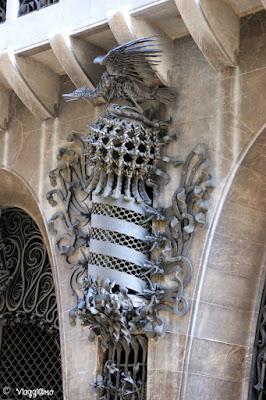 Particolare del Palau Guell di Gaudì nel quartiere di El Raval